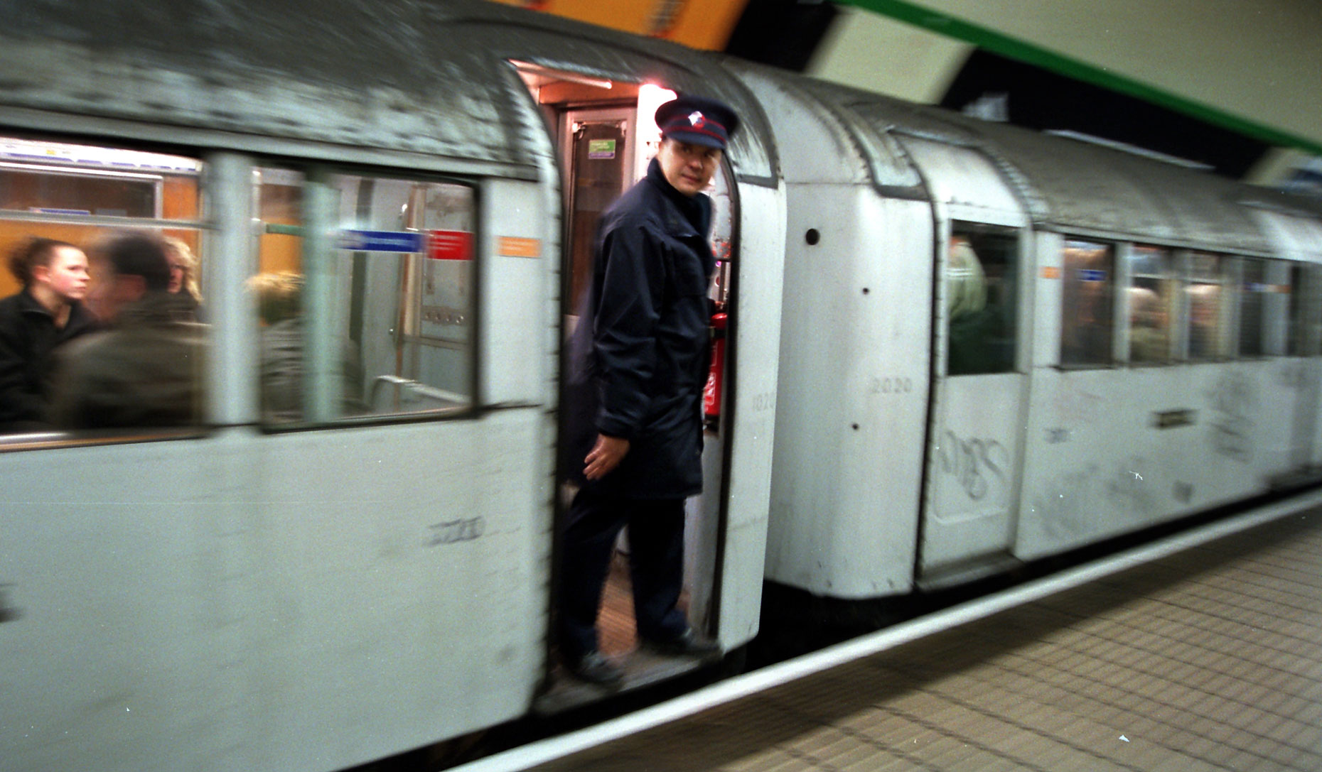 London-Tube-Conductor